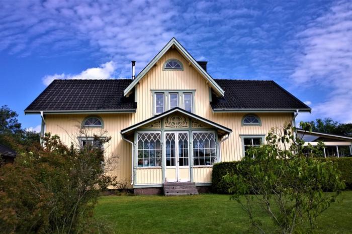 Дома в Ленобласти за год подорожали на 17%