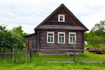 За минувший год в Ленинградской области подешевели дачи